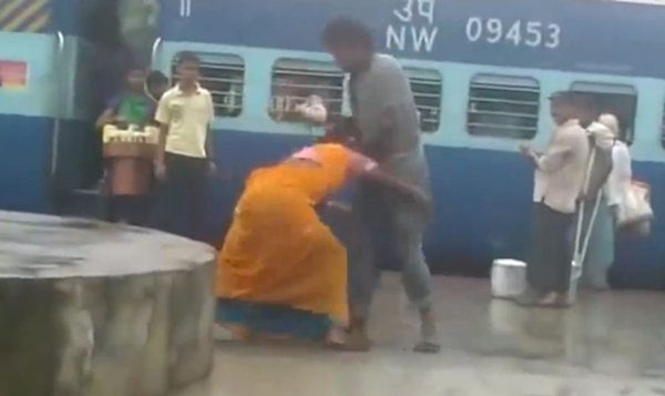indian women fighting - respect women
